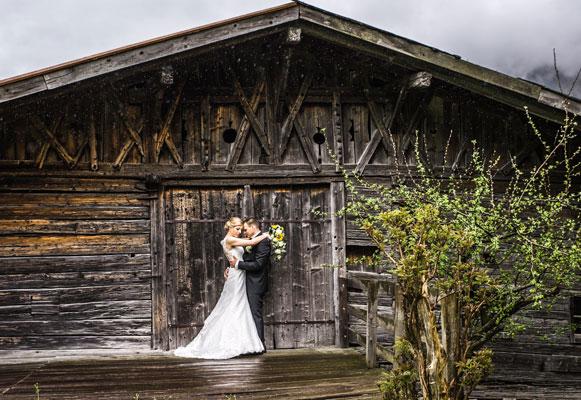 hochzeitsfotografie-bei-Regen-Tirol